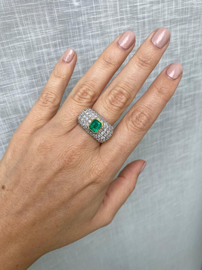 Vintage Colombian Emerald Diamond Gold Cocktail Ring For Sale 5