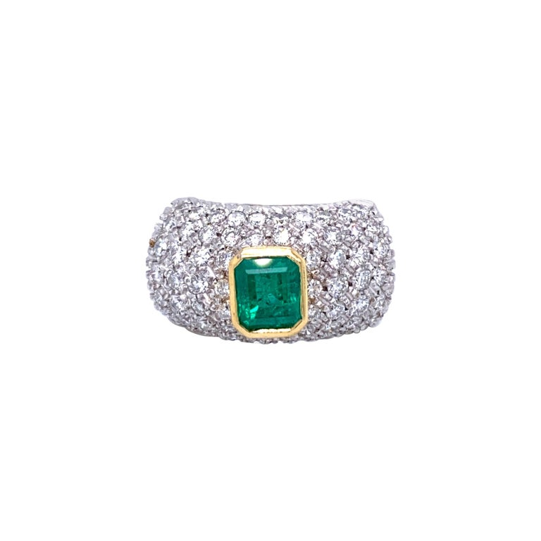 Vintage Colombian Emerald Diamond Gold Cocktail Ring For Sale