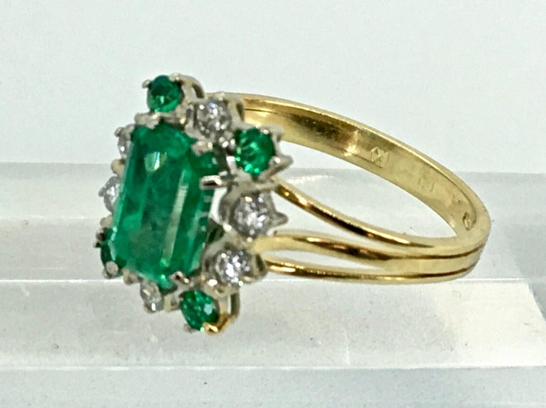 Art Deco Vintage Colombian Emerald Solitaire Ring with Accents 18 Karat For Sale