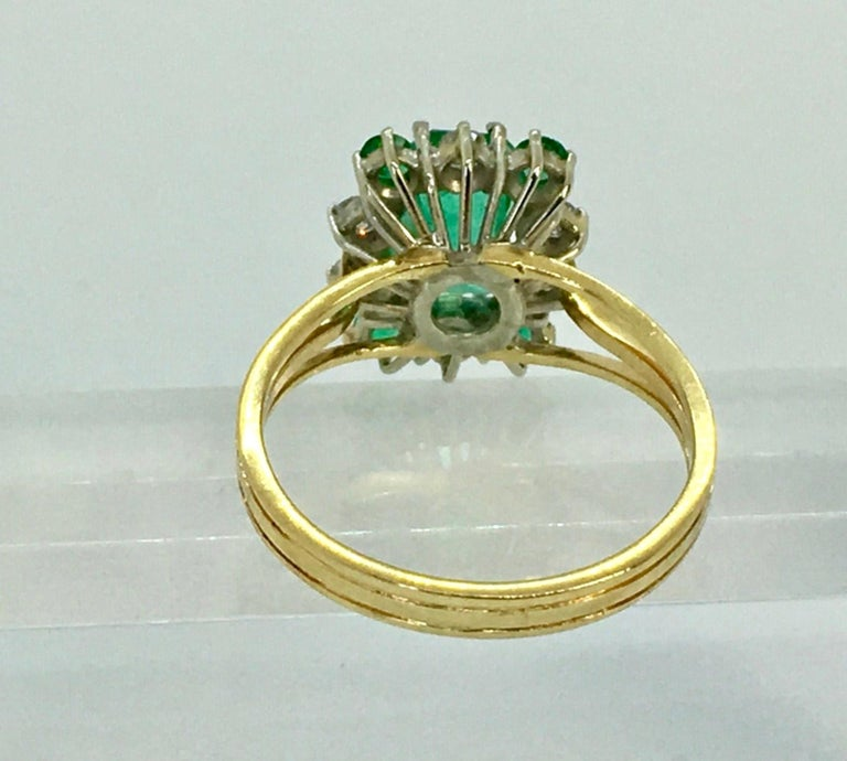 Vintage Colombian Emerald Solitaire Ring with Accents 18 Karat In Excellent Condition For Sale In Brunswick, ME