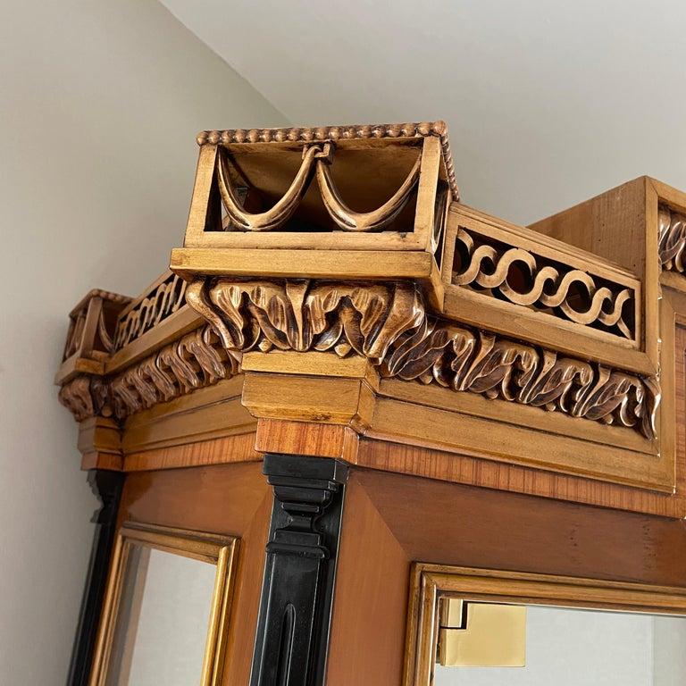 Vintage Colombo Mobli Italian Biedermeier Style Vitrine Cabinet In Good Condition In Haddonfield, NJ