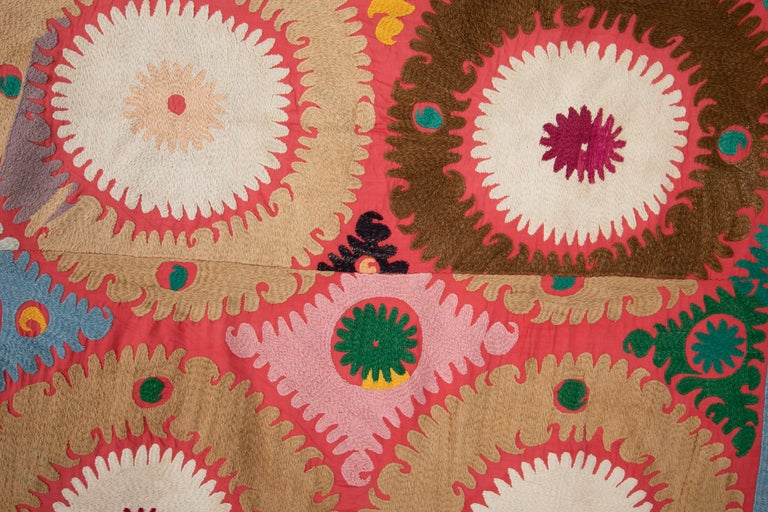 Vintage Colorful Suzani from Samarkand Uzbekistan, 1960s In Good Condition In Istanbul, TR