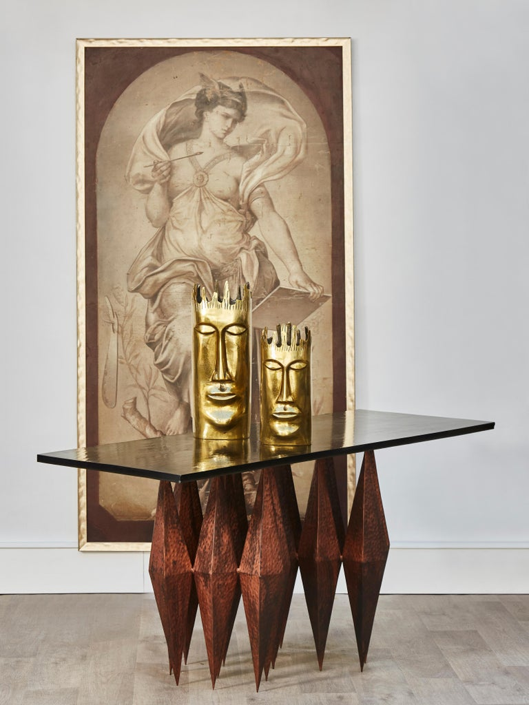 Vintage console in sculpted and hammered copper with tainted glass top from Saint Gobain. France, 1980s.