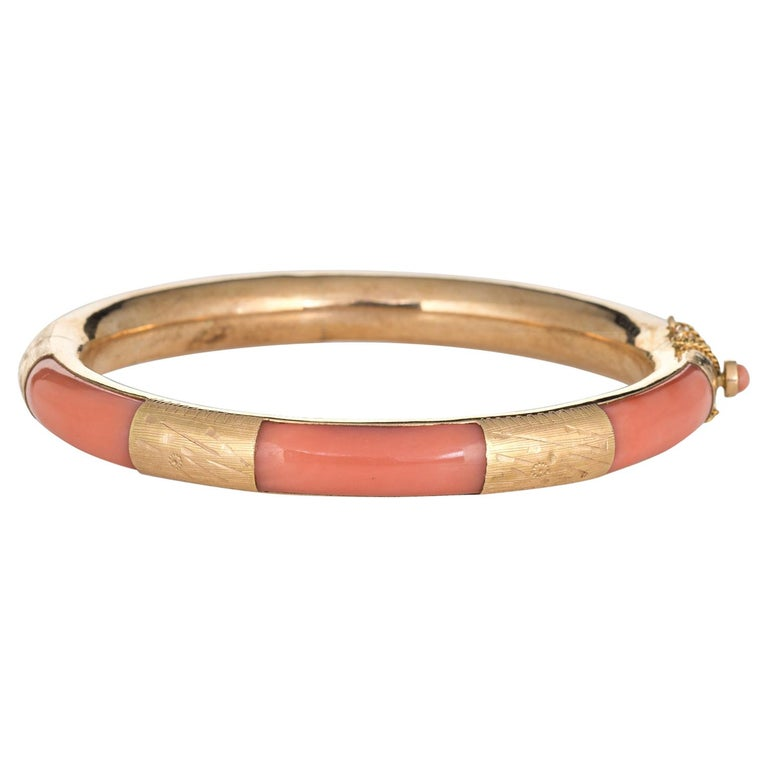 Vintage Coral Inlay Bangle Bracelet 14 Karat Yellow Gold Estate Jewelry Inlaid For Sale