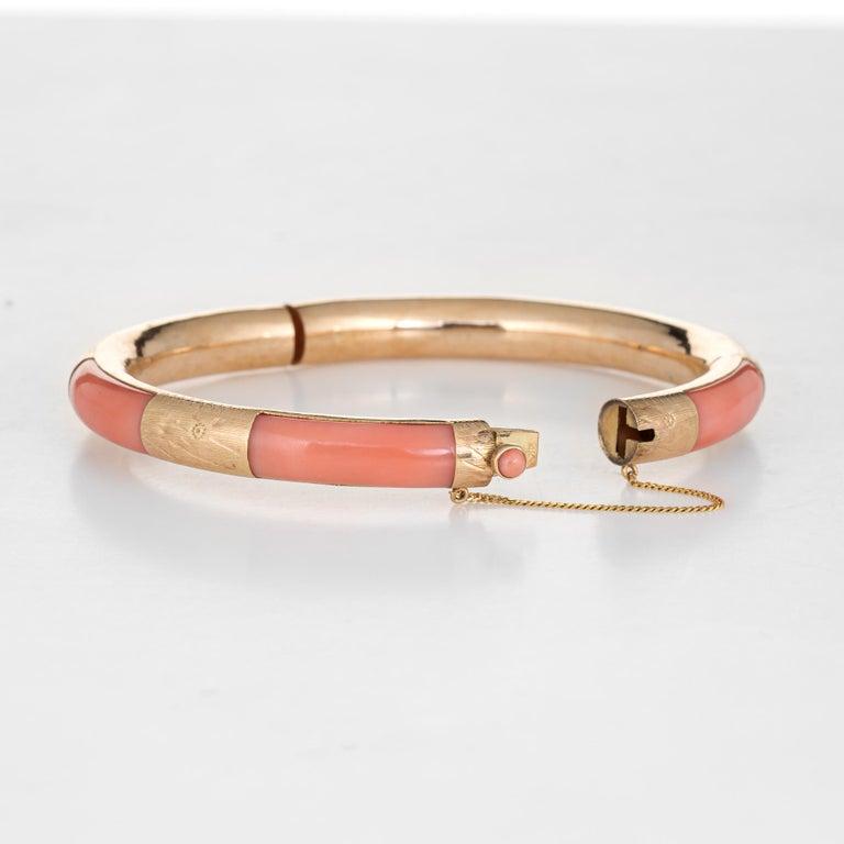Modern Vintage Coral Inlay Bangle Bracelet 14 Karat Yellow Gold Estate Jewelry Inlaid For Sale