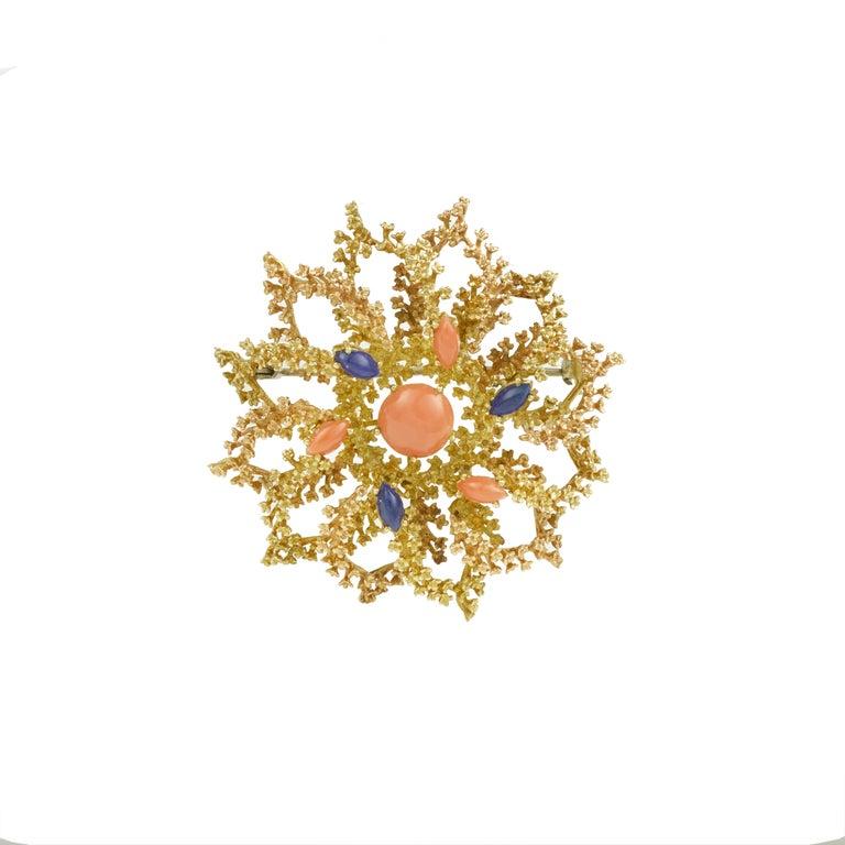 Women's Vintage Coral Lapis Lazuli 18 Karat Yellow Gold Sea Urchin Brooch For Sale