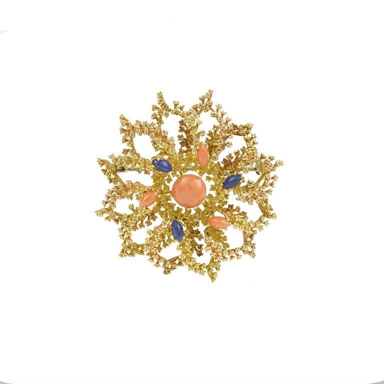 Vintage Coral Lapis Lazuli 18 Karat Yellow Gold Sea Urchin Brooch For Sale