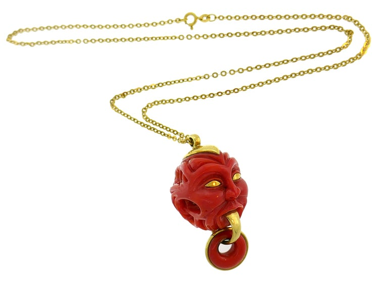 Women's or Men's Vintage Coral Yellow Gold Pendant Necklace For Sale