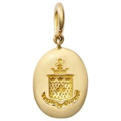 Vintage Crest Charm in 18 Karat Gold
