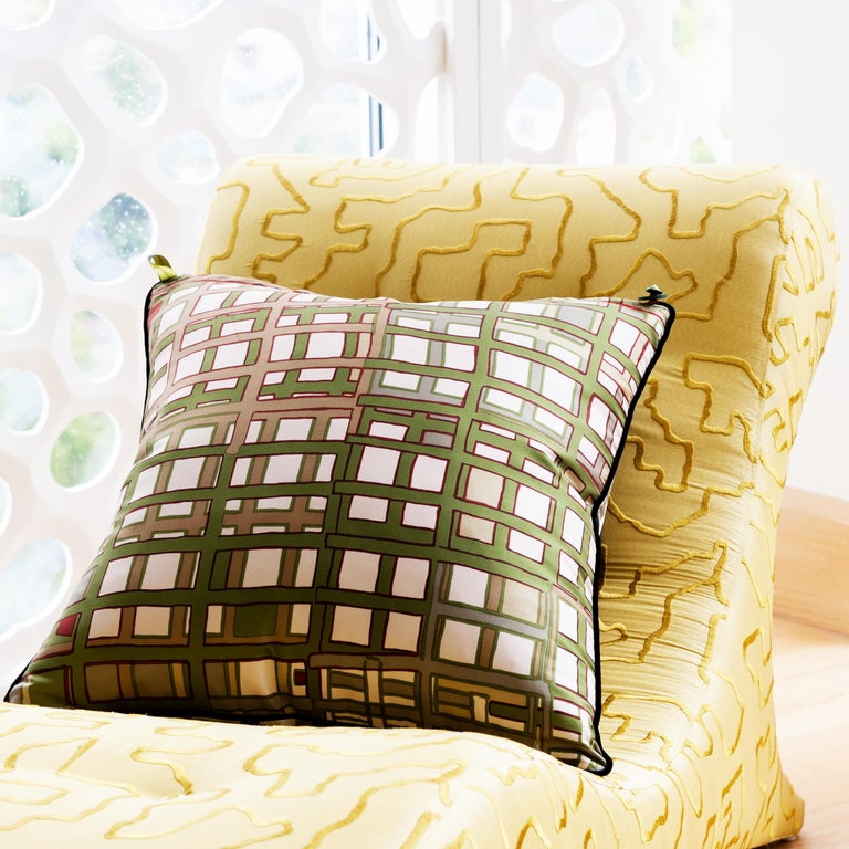 English Vintage Cushions, Luxury Bespoke-made Silk Pillow Basley-Dyer, Made in London For Sale