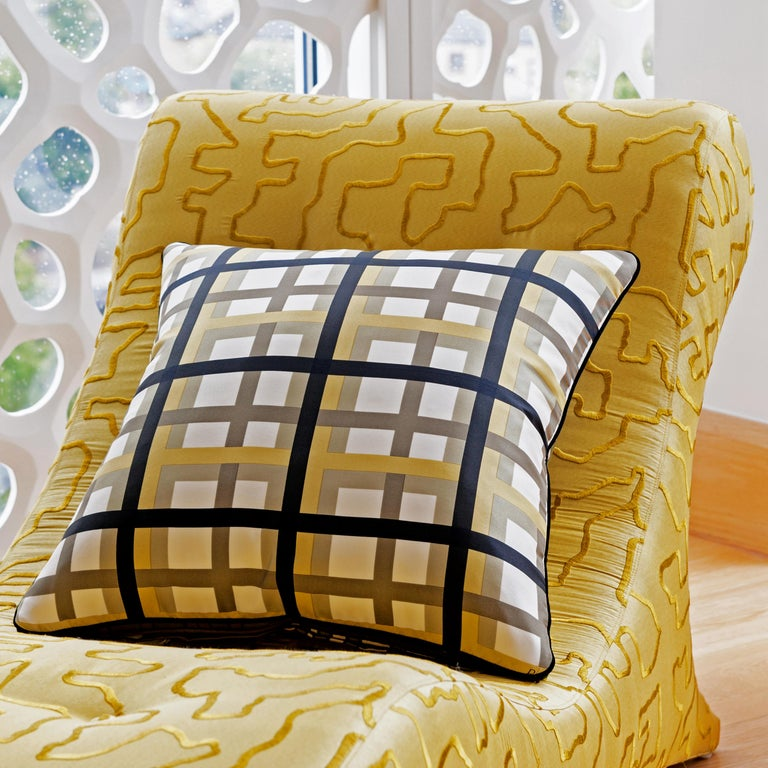 Hand-Crafted Vintage Cushions, Luxury Bespoke-made Silk Pillow Basley-Dyer, Made in London For Sale