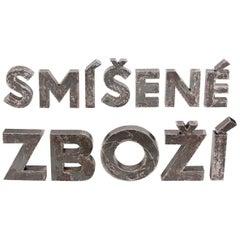 """Buchstaben eines Vintage-Ladenschilds """"Smisene Zbozi"""", Tschechoslowakei, 1960er Jahre"""