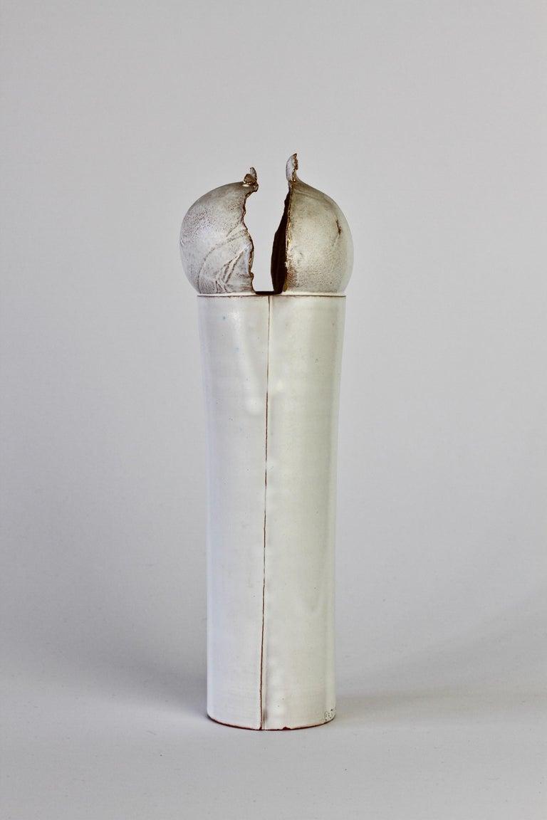Vintage Czechoslovakian Organic Ceramic White Pottery Vase by Jiří Dudycha In Good Condition For Sale In Landau an der Isar, Bayern