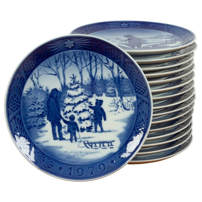 Vintage Danish Christmas Plates, Set of 16 For Sale