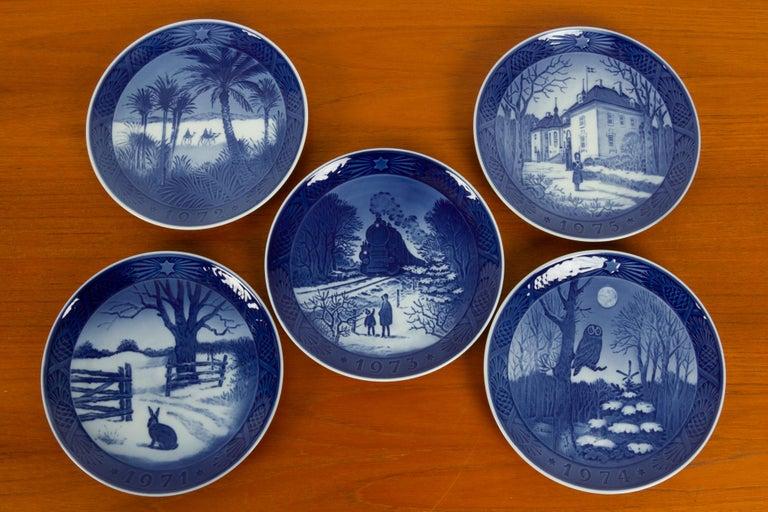 20th Century Vintage Danish Christmas Plates, Set of 20 For Sale