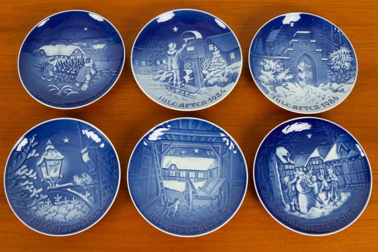 Mid-Century Modern Vintage Danish Christmas Plates, Set of 23 For Sale