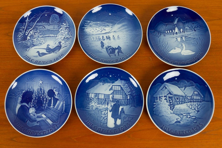 Vintage Danish Christmas Plates, Set of 23 In Good Condition For Sale In Nibe, Nordjylland