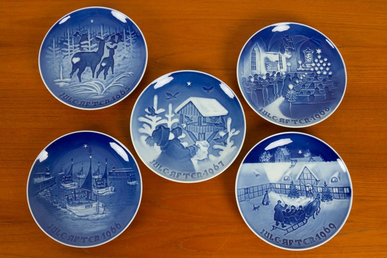 20th Century Vintage Danish Christmas Plates, Set of 23 For Sale