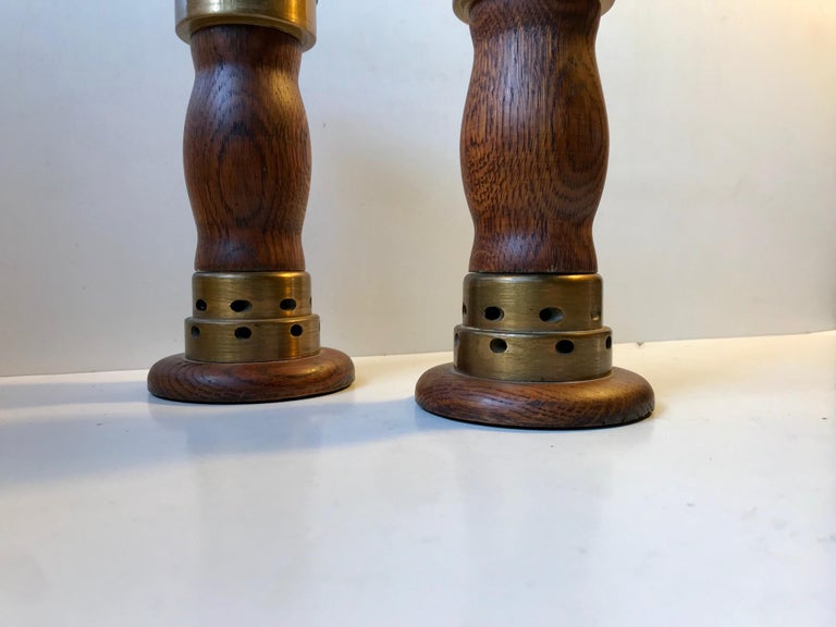 Vintage Danish Church Candleholders in Oak and Bronze, 1950s, Set of 2 In Good Condition For Sale In Esbjerg, DK