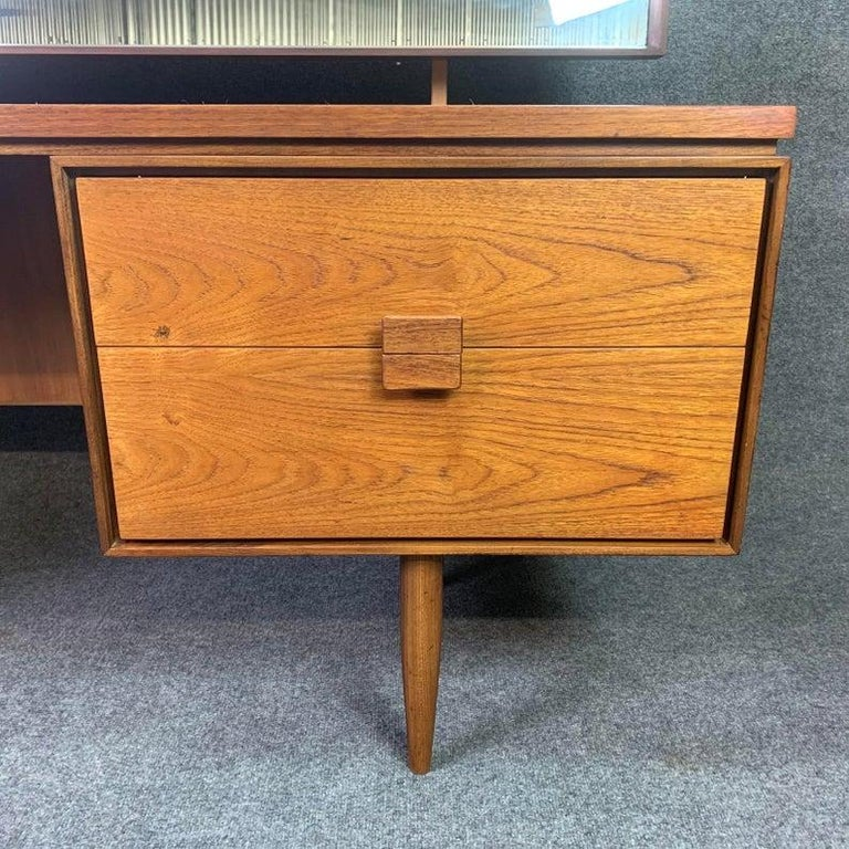 Vintage Danish Mid-Century Modern Teak Vanity Desk by Kofod Larsen for G Plan In Good Condition For Sale In San Marcos, CA