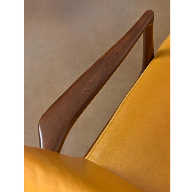 Vintage Danish Modern Ib Kofod-Larsen Sculpted Blade Arm Lounge Chair for Selig For Sale 2