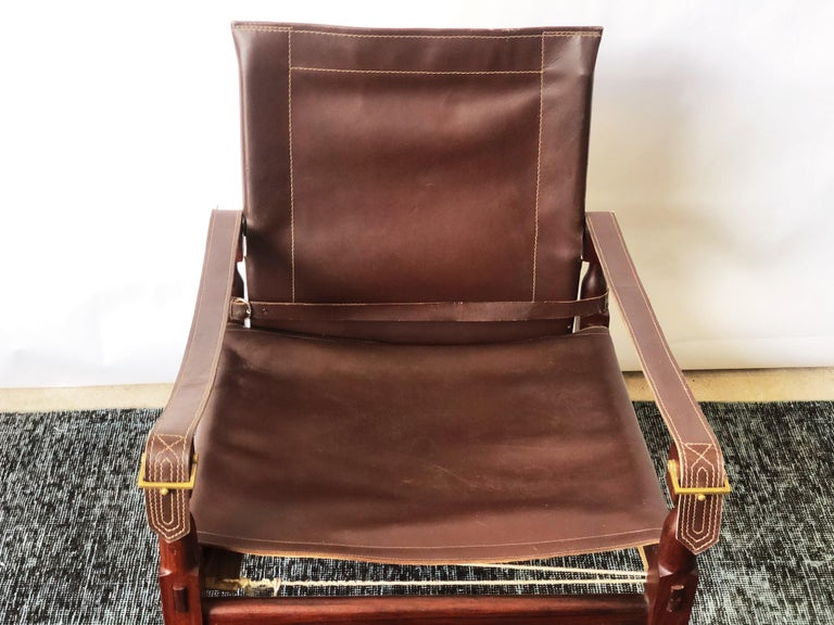 Vintage Danish Modern Leather and Mahogany Safari Chair, circa 1960s In Good Condition For Sale In San Antonio, TX