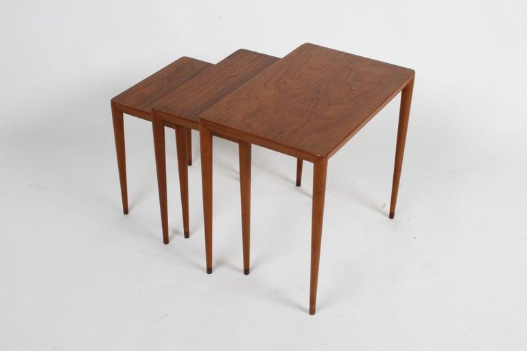 Vintage Danish Modern Set of 3 Teak Nesting Tables Retailed by Illums Bolighus For Sale 13