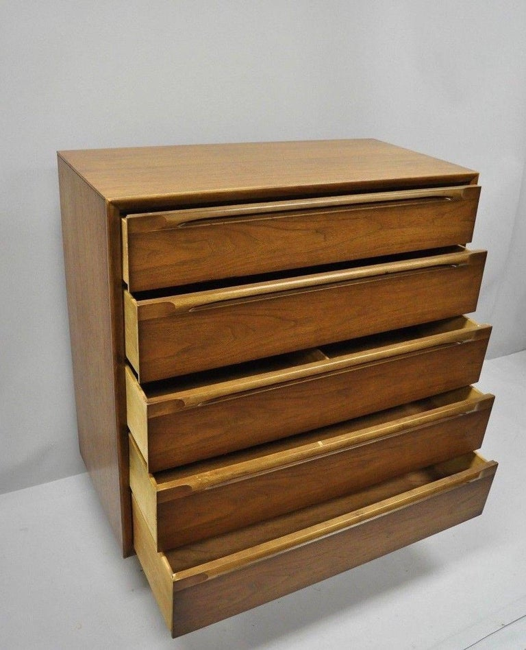 Vintage Danish Modern Walnut Tall Chest of Drawers Dresser Sculpted Pull In Good Condition In Philadelphia, PA