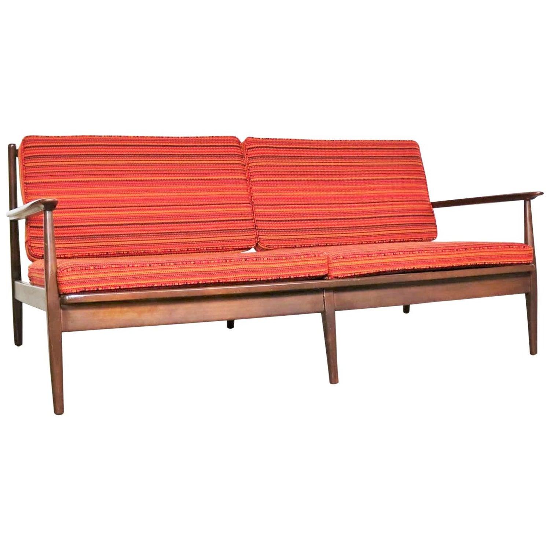 Bernhardt Bridgewater Sofa | Taraba Home Review