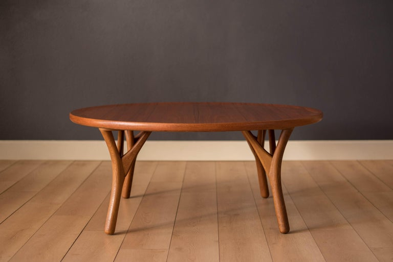 Vintage Danish Sculptural Round Teak Coffee Table In Good Condition For Sale In San Jose, CA
