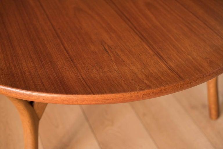 Vintage Danish Sculptural Round Teak Coffee Table For Sale 1