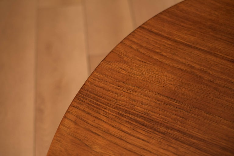 Vintage Danish Sculptural Round Teak Coffee Table For Sale 2