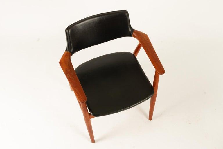 Vintage Danish Teak Armchairs GM11 by Svend Aage Eriksen 1960s Set of 8 For Sale 4