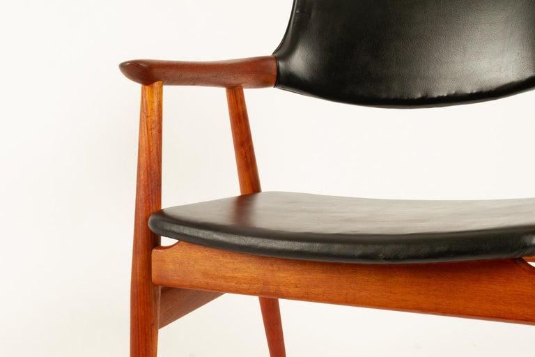 Vintage Danish Teak Armchairs GM11 by Svend Aage Eriksen 1960s Set of 8 For Sale 5