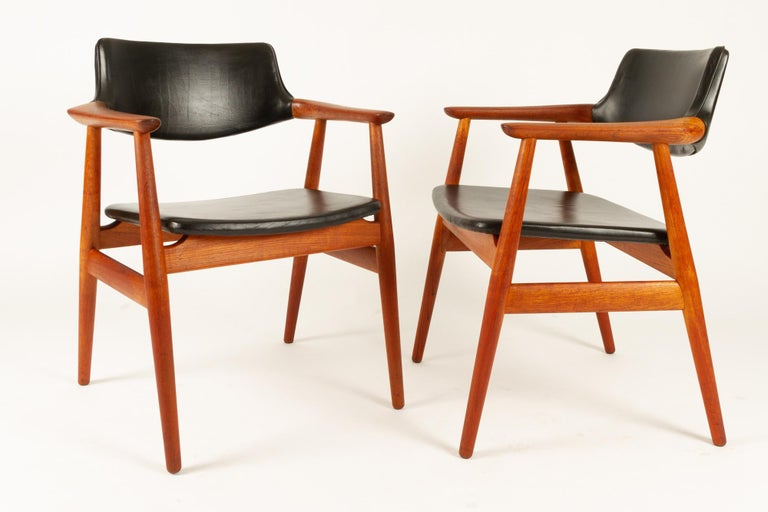 Vintage Danish Teak Armchairs GM11 by Svend Aage Eriksen 1960s Set of 8 In Good Condition For Sale In Nibe, Nordjylland