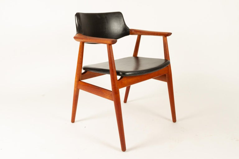 Vintage Danish Teak Armchairs GM11 by Svend Aage Eriksen 1960s Set of 8 For Sale 2