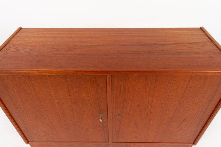 Vintage Danish Teak Cabinet 1960s In Good Condition For Sale In Nibe, Nordjylland
