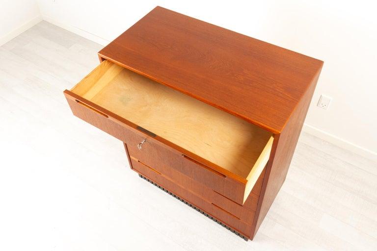 Vintage Danish Teak Dresser, 1960s For Sale 5