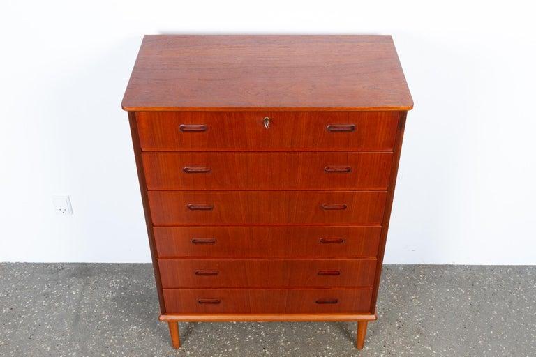 Vintage Danish Teak Dresser, 1960s For Sale 8
