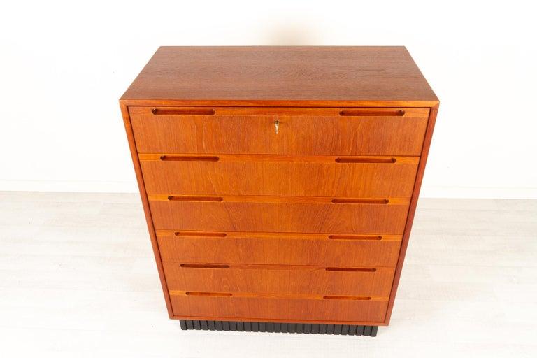 Vintage Danish Teak Dresser, 1960s For Sale 1