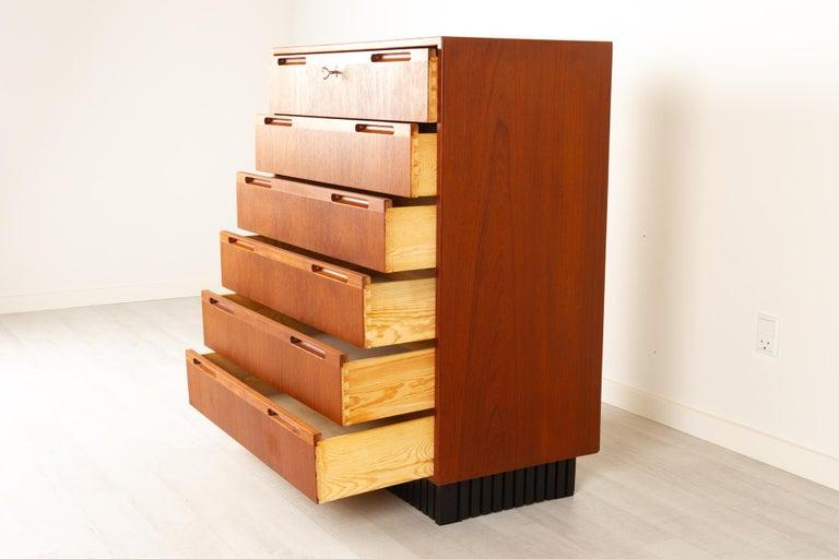 Vintage Danish Teak Dresser, 1960s For Sale 3