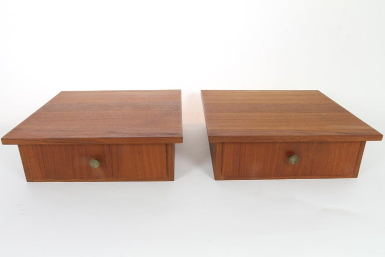 Vintage Danish Teak Hanging Shelves with Drawer, 1960s, Set of 2 In Good Condition In Nibe, Nordjylland
