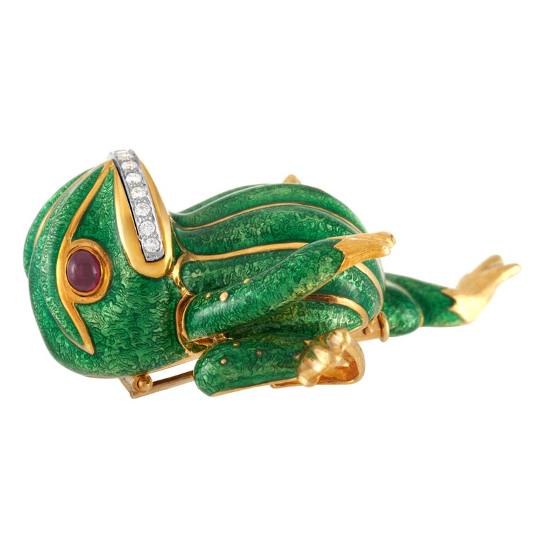 David Webb Green Enamel Angry Frog Brooch in 18K Yellow Gold, with Certificate In Good Condition For Sale In Philadelphia, PA