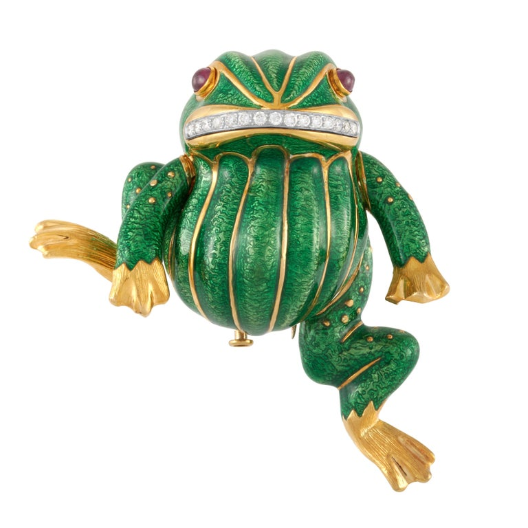 Women's or Men's David Webb Green Enamel Angry Frog Brooch in 18K Yellow Gold, with Certificate For Sale