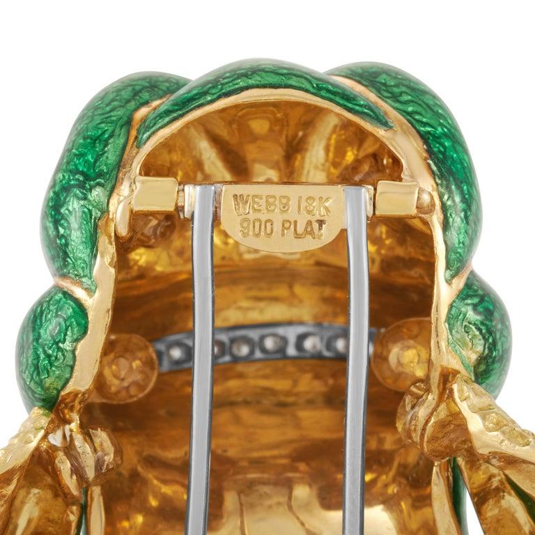 David Webb Green Enamel Bull frog Brooch with Diamonds & Rubies in 18KY Gold For Sale 1