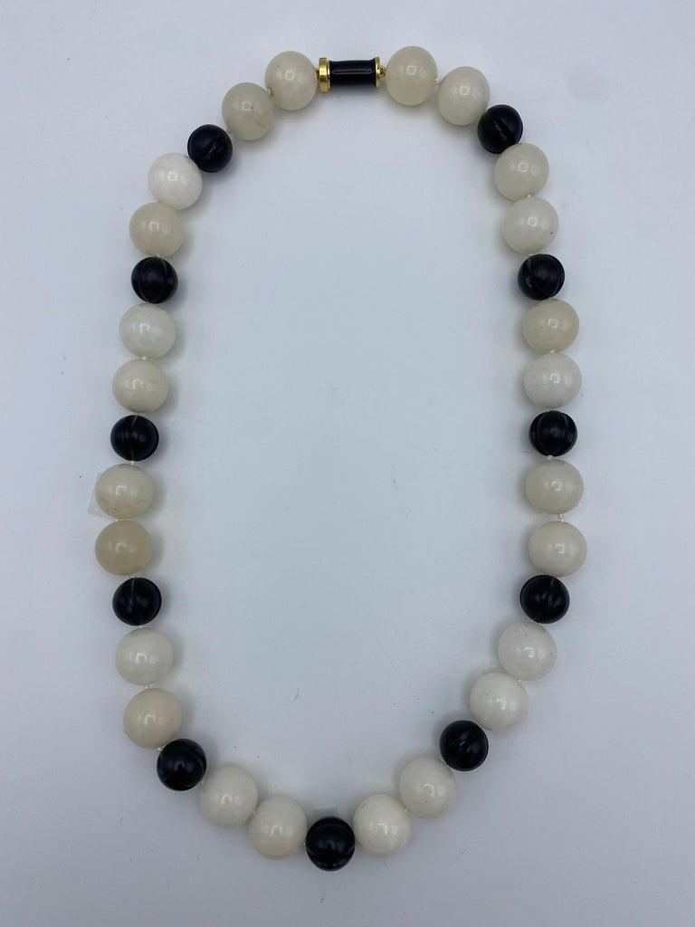 Round Cut Vintage David Webb Yellow Gold, Onyx and Quartz Bead Necklace  For Sale