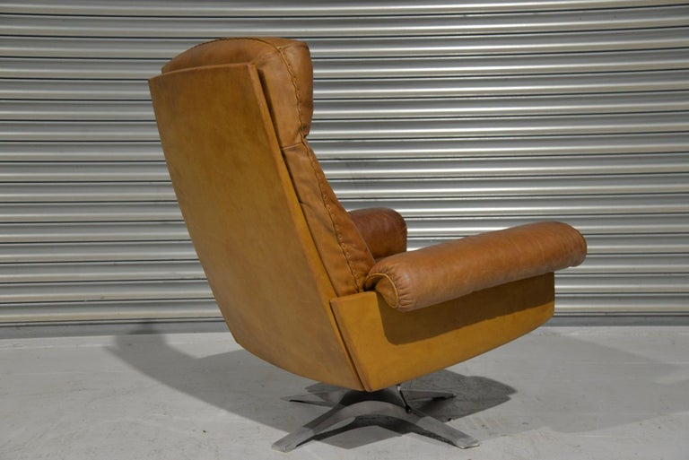 Vintage De Sede DS 31 Leather Swivel Armchair with Ottoman, Switzerland 1970s 4