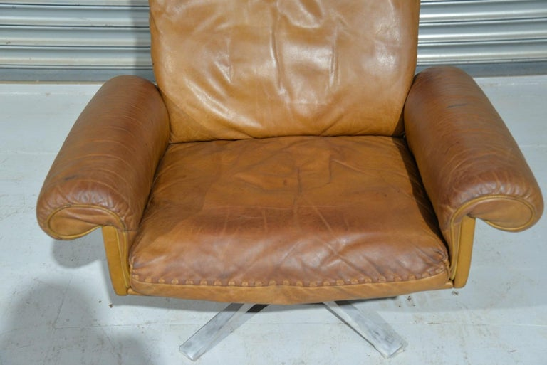 Vintage De Sede DS 31 Leather Swivel Armchair with Ottoman, Switzerland 1970s 7