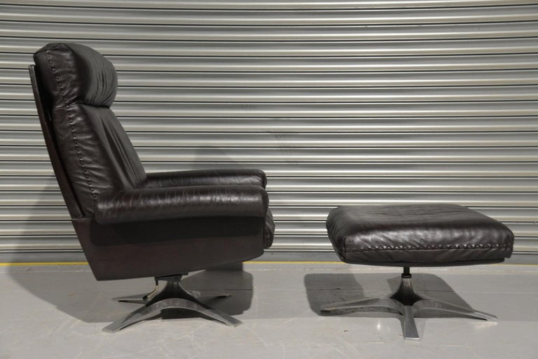 Mid-Century Modern Vintage De Sede DS 31 High Back Leather Swivel Armchair with Ottoman, 1970s