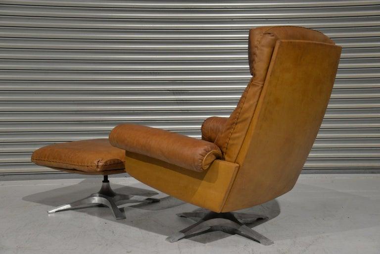Mid-Century Modern Vintage De Sede DS 31 Leather Swivel Armchair with Ottoman, Switzerland 1970s